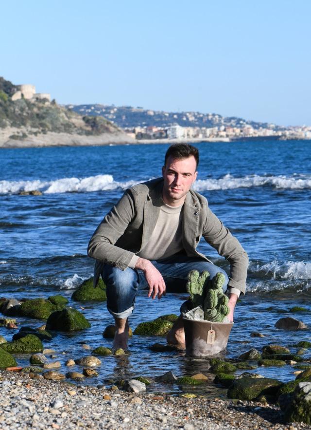 Lorenzo, il mare e Manera web